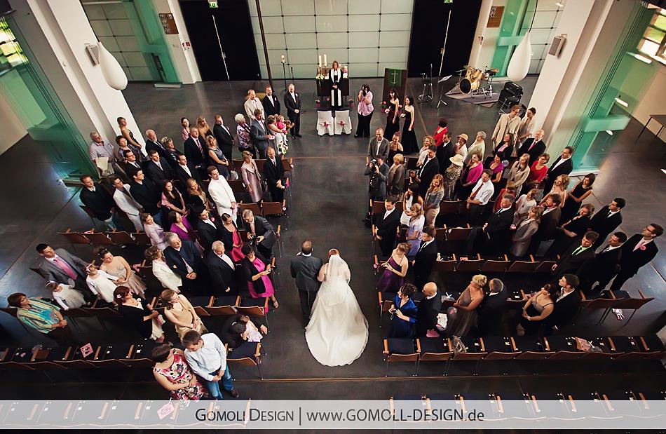 Hochzeitsfotograf Friedrichshain Berlin Taufe Hochzeit Auferstehungskirche